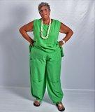 ..Broek La-Bass, groen, grote zakken op heup- en kniehoogte, rekbare taille_