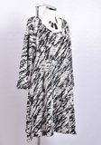 tuniek/jurk Thom B zwart/wit print,  A-lijn met lange mouw, col en zakken._