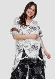 Tuniek, wit met zwarte print, Kekoo, asymmetrisch, ronde hals, korte mouw, geïntegreerde voile, voor korter dan achter_