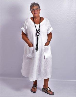 Jurk, wit, 100% linnen, korte mouw, mooie A-lijn, zakken op voorpand, V-hals voor en achter