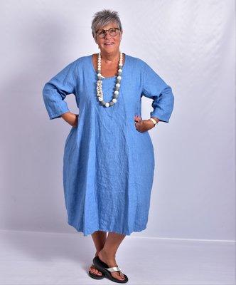 Jurk, blauw, halflange mouw, mooie prinssenlijn, 100% linnen, grote A-lijn