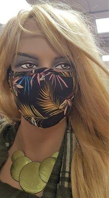 Mondkapje, zwart met print, wasbaar, verstelbare oorlus, katoenen mondmasker.