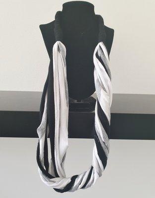 Myrjo stoffen zwart/wit/grijs handgemaakte ketting