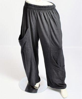 Broek La-Bass, donker grijs, grote zakken op heup- en kniehoogte, rekbare taille, katoen met lycra