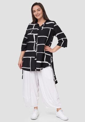 Blouse / tuniek Kekoo zwart /wit met print, met 7/8ste mouw en knoopsluiting, achterpand langer ,rits in zijnaden