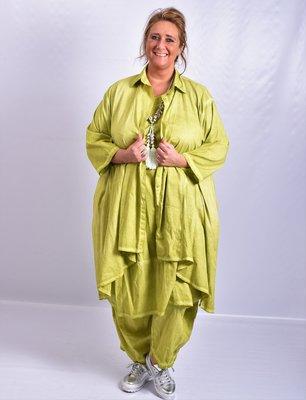 Moonshine blouse, lime, stonewashed, knoopsluiting, kraag en oprolbare  mouw, a-lijn