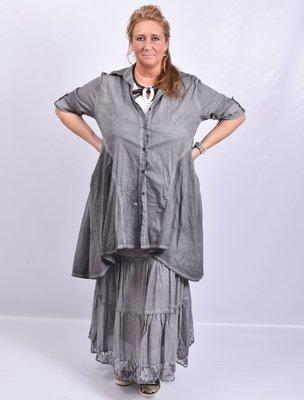 Moonshine blouse, antraciet, stonewashed, knoopsluiting, kraag en oprolbare  mouw, a-lijn