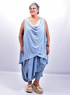Tuniek jeansblauw asymmetrisch, voorzijde tweelaags, watervalhals,