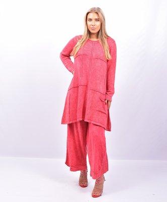 Lange trui, gebreid, Kekoo rood stone washed, met naar buiten gestikte naden, lange mouw,