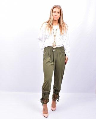 Legging. Super mooie olijfgroen legging met kant.