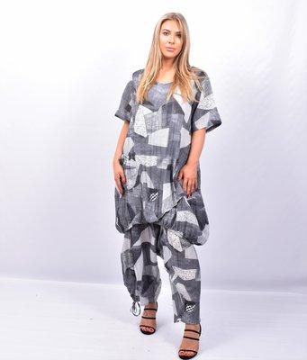 Tuniek / jurk, grijs/antraciet met patch print, Kekoo, ronde hals, korte mouwen, zak op voorpand, elastiek in de onderrand
