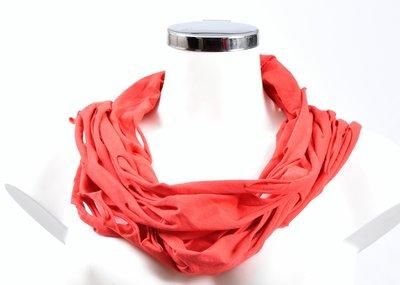Sjaal, rood met openingen