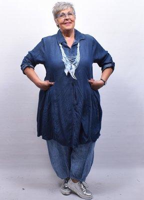 Jurk/jeansblouse / lange tuniek, donkerblauw lange mouw, knoopsluiting, A-lijn, zakken, bollingen
