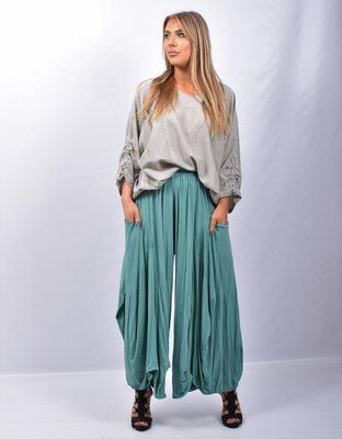 Broek/rok, emeraldgroen, zeer  wijd, rekbare taille, apart, asymmetrisch zak op zijhoogte