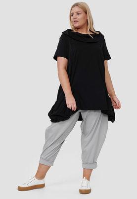 Tuniek, zwart, kapmouw, met grote kol  zakken met veter, licht gewicht