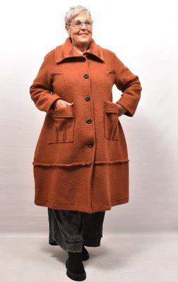 Lange jas/ mantel brique, A-lijn, knoopsluiting