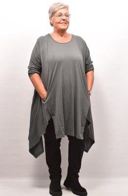 Lange tuniek/ shirt antraciet met punten aan de zijkant