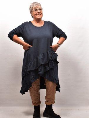 Tuniek/shirt, donkerblauw , wijd model, schuine gerimpelde stroken onderaan