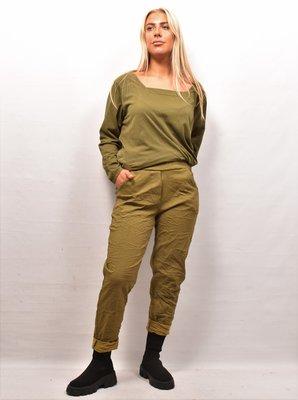 Stretchbroek, armygroen, rekbare taille, gekreukte stof, zakken,
