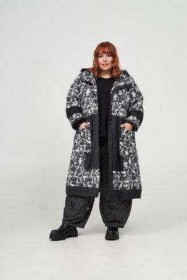 Jas / mantel, zwart met printstof, ritssluiting, grote zakken met een klep, Kekoo