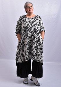 Jurk /lange tuniek Thom B zwart/wit print,  A-lijn met lange mouw, ronde hals