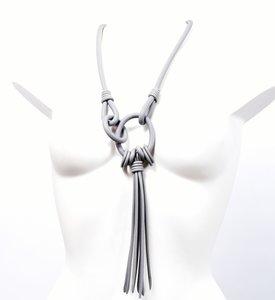 Rubberen ketting, grijs, een snoer en ringen