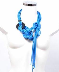 Fantasie blauw ,ketting/riem, rubber, ang snoer met zwarte ring