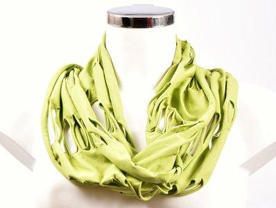 Sjaal, limegroen met openingen