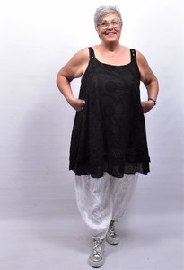 Mouwloze jurk/tuniek, zwart, grote A-lijn, broderie.