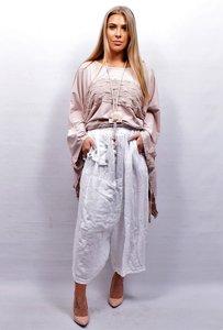 Zouavebroek, wit, elastische taille, steekzakken, sierknopen, grote zak middenvoor, linnen