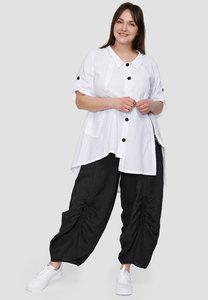 Blouse / tuniek Kekoo wit,  asymmetrisch, korte mouwen met ophaallusjes, kraag en knoopsluiting, ingeweven polka dot,