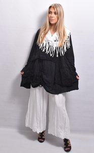 Tuniek zwart, gedeeltelijk tweelaags, broderie, ophaaltjes, lange mouwen, ronde hals