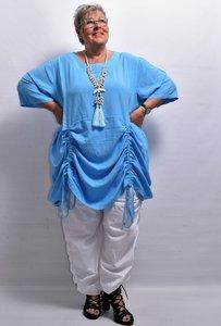 Tuniek/ jurk, la Bass blauw, steekzakken in zijnaad, aanrijgkoordjes op voor- en achterpand, ronde hals